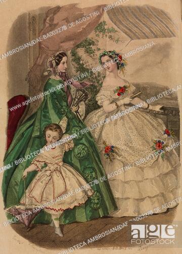 65e289d6f Woman wearing a green taffeta city dress