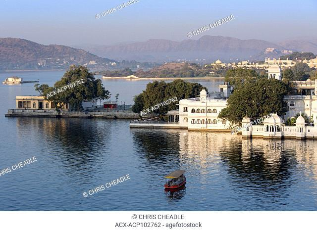 Lake Pichola, Udaipur, Rajastan, India