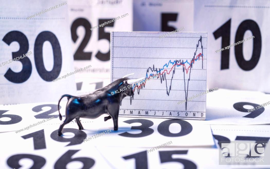 Imagen: Bull, chart with market price and calendar sheets | usage worldwide.