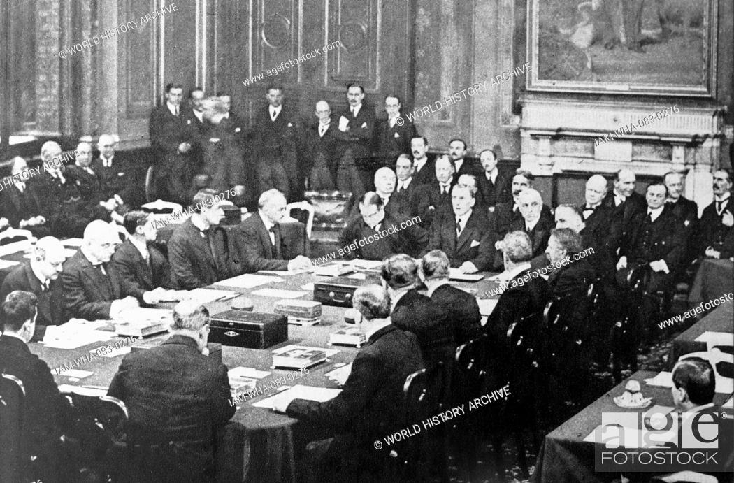 Austen Chamberlain And Stanley Baldwin Sign The Locarno Treaty 1925