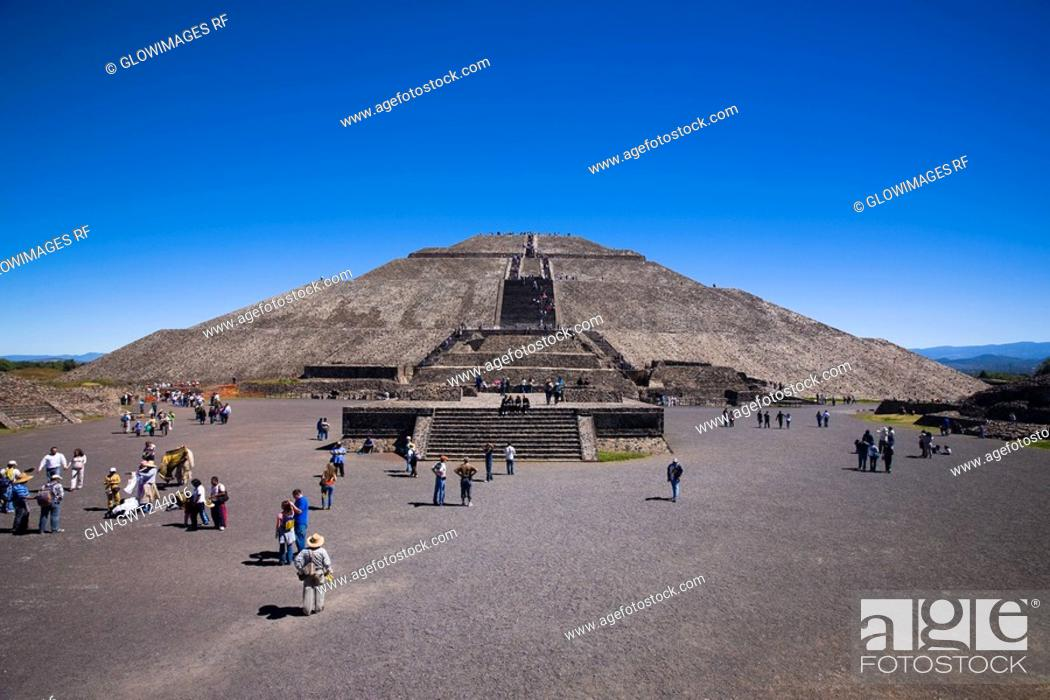 Stock Photo: Tourists around a pyramid, Pyramid of the Sun, Teotihuacan, Mexico.