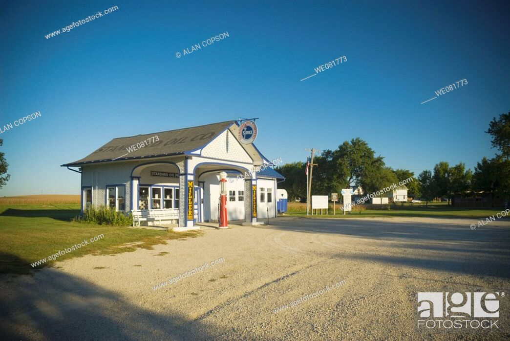Stock Photo: USA Illinois Route 66 Odell 1932 Standard Oil Gas Station.