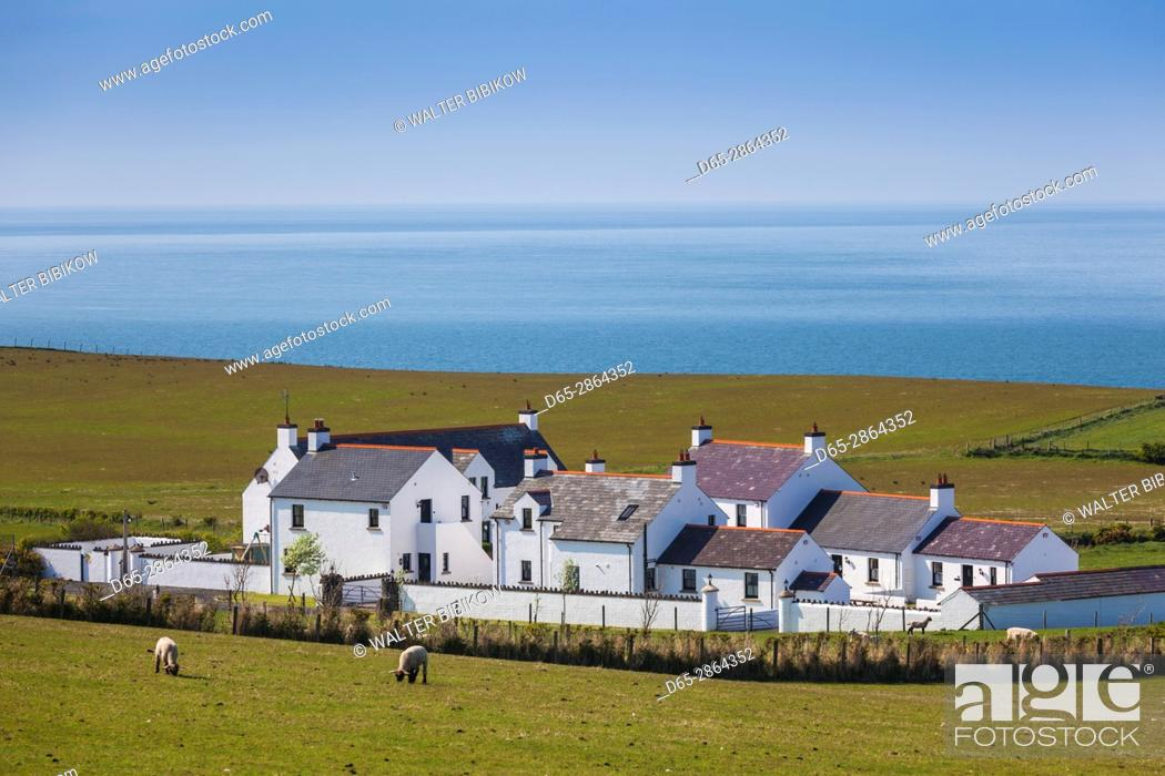 Stock Photo: UK, Northern Ireland, County Antrim, Ballintoy, elevated town view.
