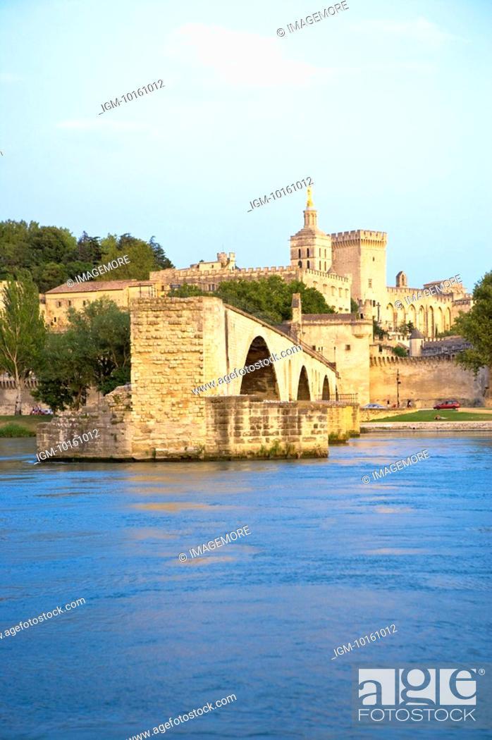 Stock Photo: Pont Saint-Benezet, Palais des Papes in Avignon, Provence-Alpes-Cote d'Azur, France.