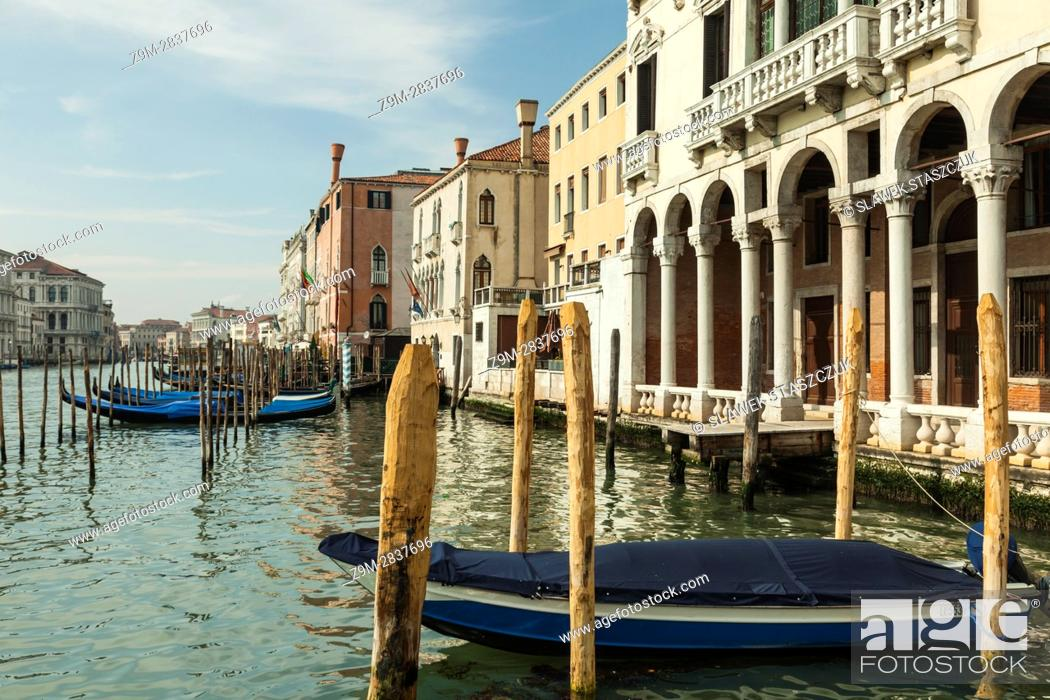 Imagen: Spring afternoon on Grand Canal in Venice, Italy.