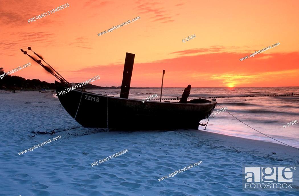 Stock Photo: Boat, Beach, Usedom, Germany.