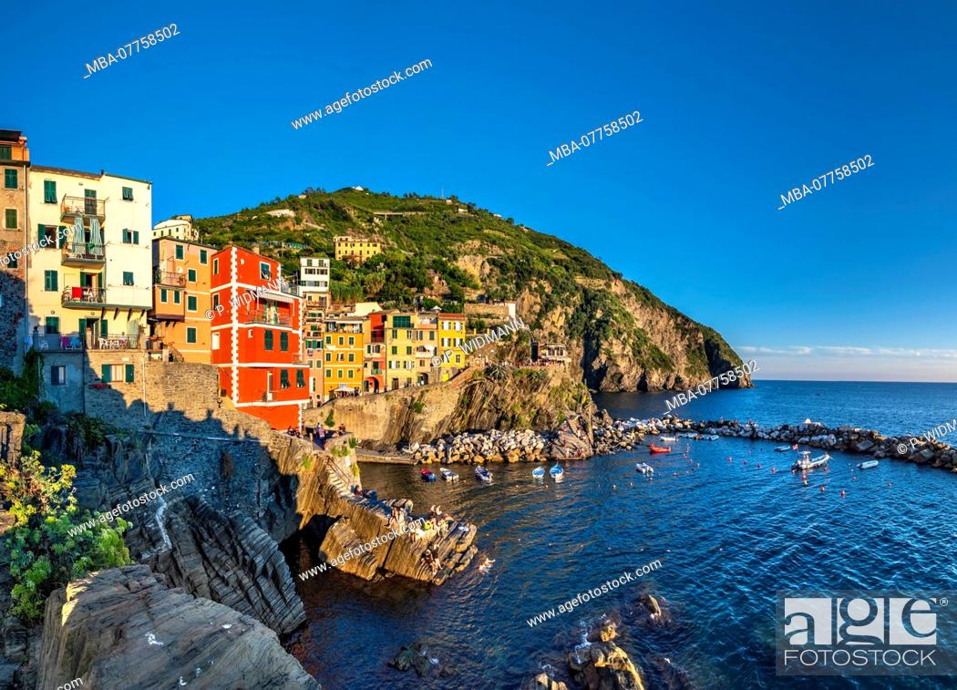 Stock Photo: View of harbour and colourful houses, Riomaggiore, Cinque Terre, La Spezia, Liguria, Italy, Europe.