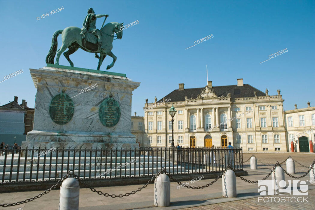 Stock Photo: Amalienborg Palace and Square with equestrian statue of King Frederik V, Copenhagen, Denmark.