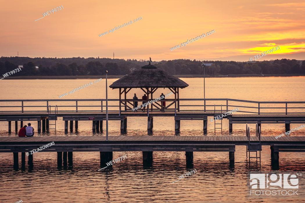Photo de stock: Wooden pier on Narie Lake located in Ilawa Lakeland region, view from Kretowiny village, Warmia and Mazury province of Poland.