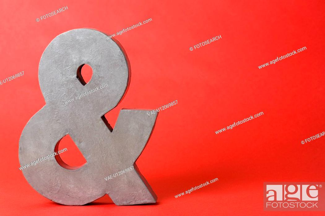 Stock Photo: Single ampersand.
