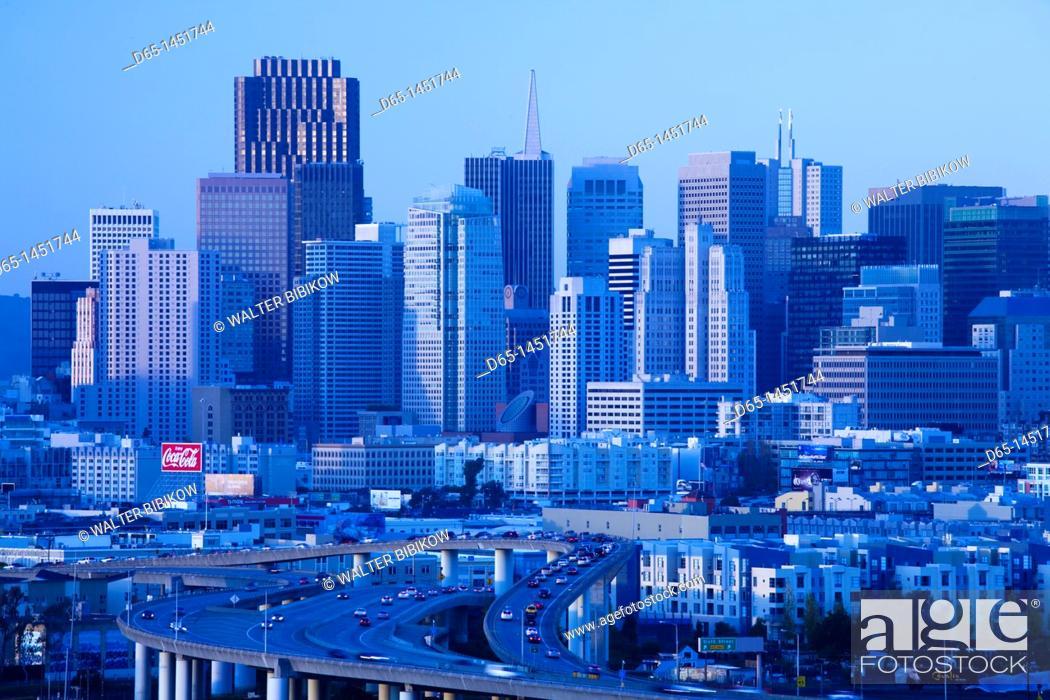 Stock Photo: USA, California, San Francisco, Potrero Hill, view of downtown and I-280 highway, dusk.