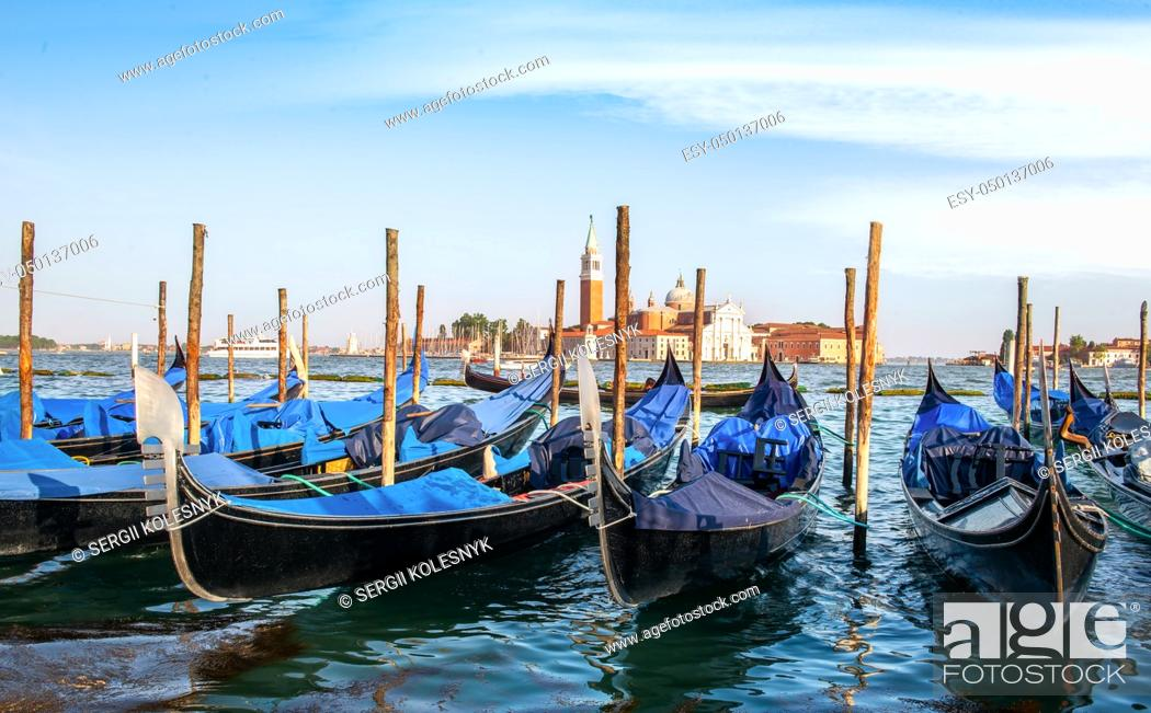 Imagen: Gondolas in Grand Canal in Venice, Italy.