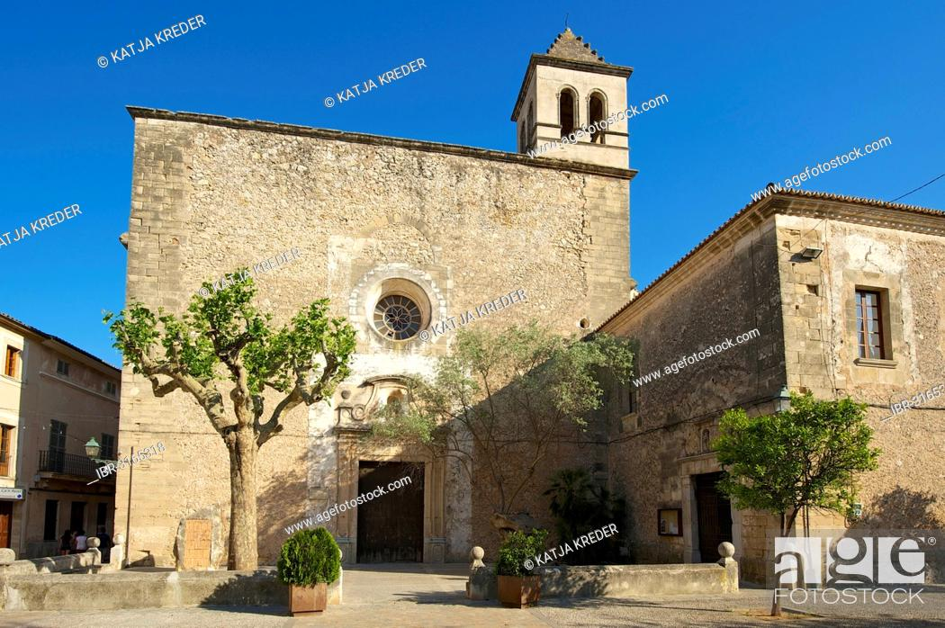 Stock Photo: Cultural centre in the former convent of Sant Domingo.
