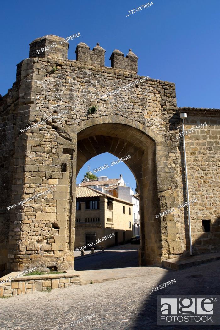 Stock Photo: Baeza (Spain). Puerta de Jaén and Arco de Villalar in the town of Baeza.