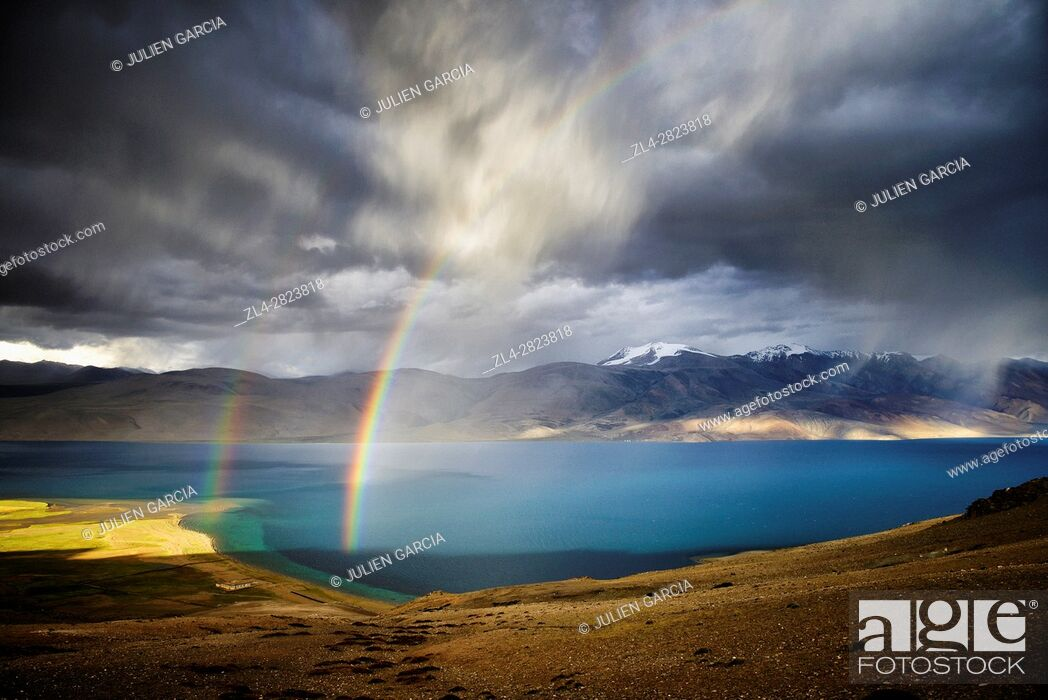 Stock Photo: India, Jammu and Kashmir State, Himalaya, Ladakh, high-altitude plateau of Changthang (Changtang), rainbow and Tso Moriri lake (4530m).