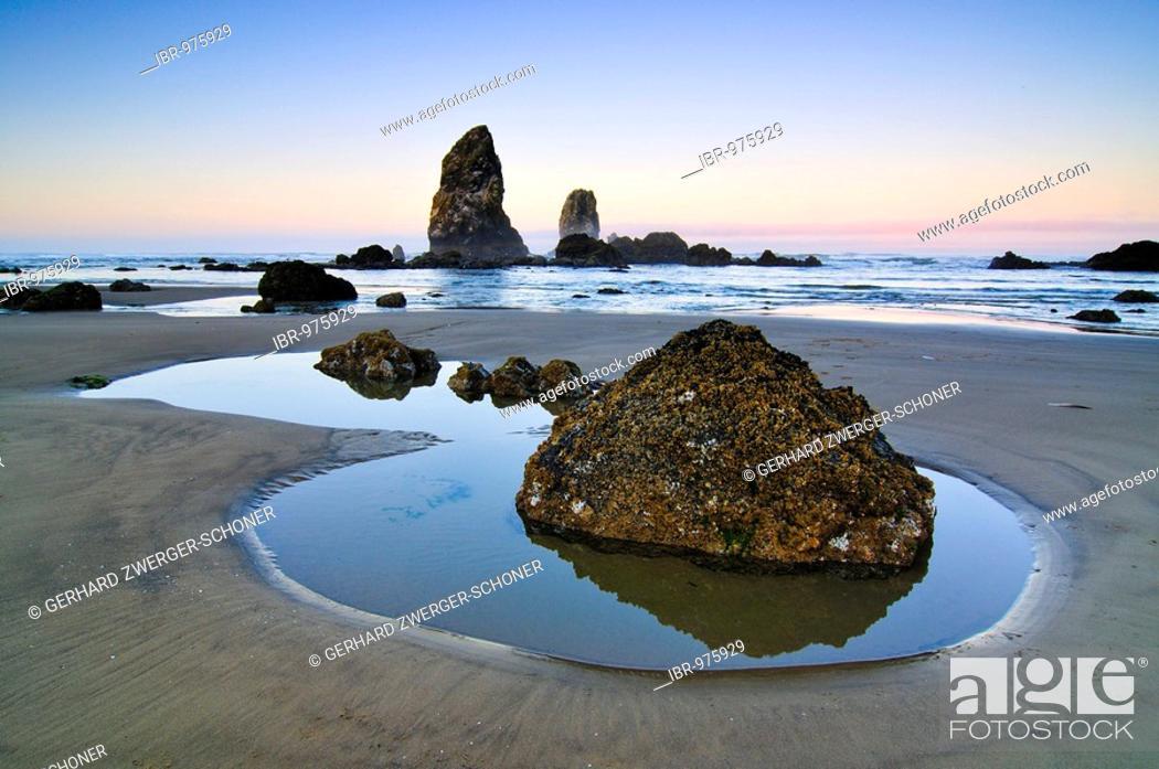 Stock Photo: Monolith, solidified lava rock at Cannon Beach, Clatsop County, Oregon, USA, North America.
