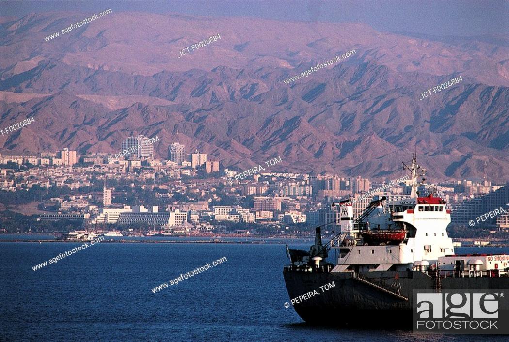 Stock Photo: Israel, Eilat from Aqaba in Jordan.
