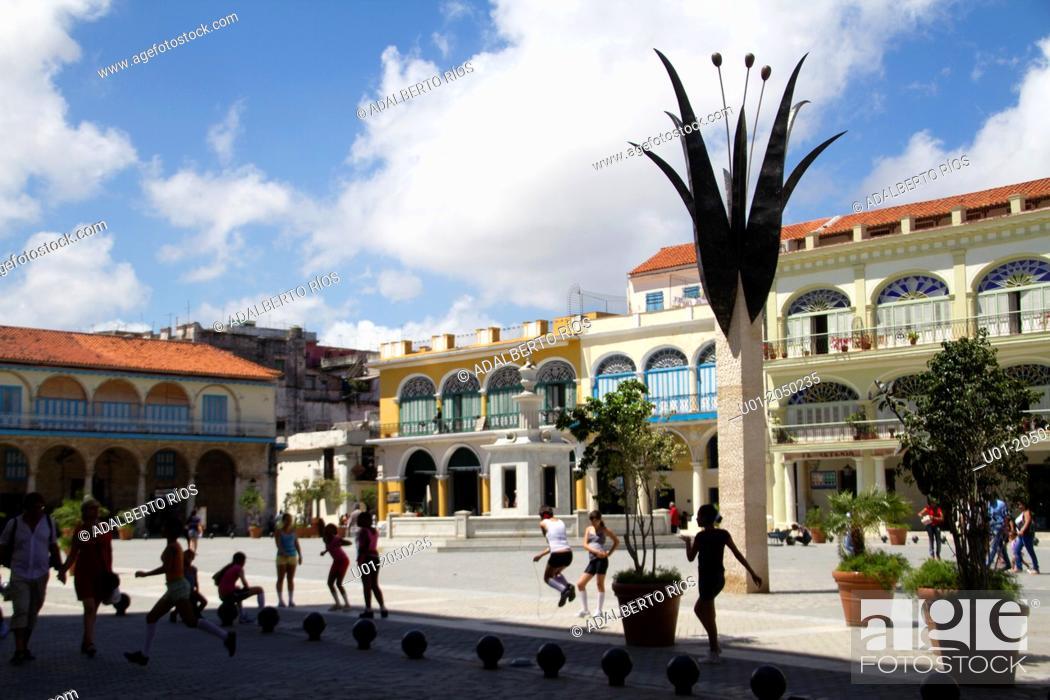 Stock Photo: Plaza Vieja, Old Havana, Cuba.