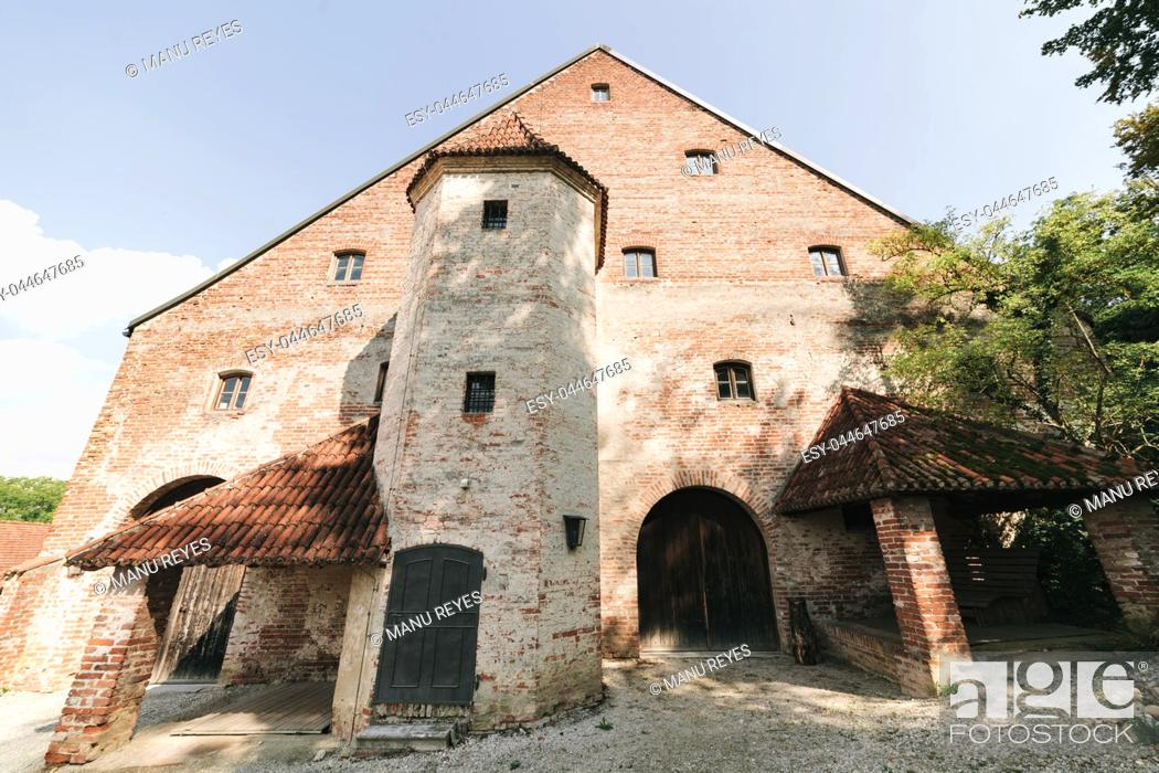 Stock Photo: Views of a typical bavarian cottage near of the Trausnitz castle. Bavaria, Germany.