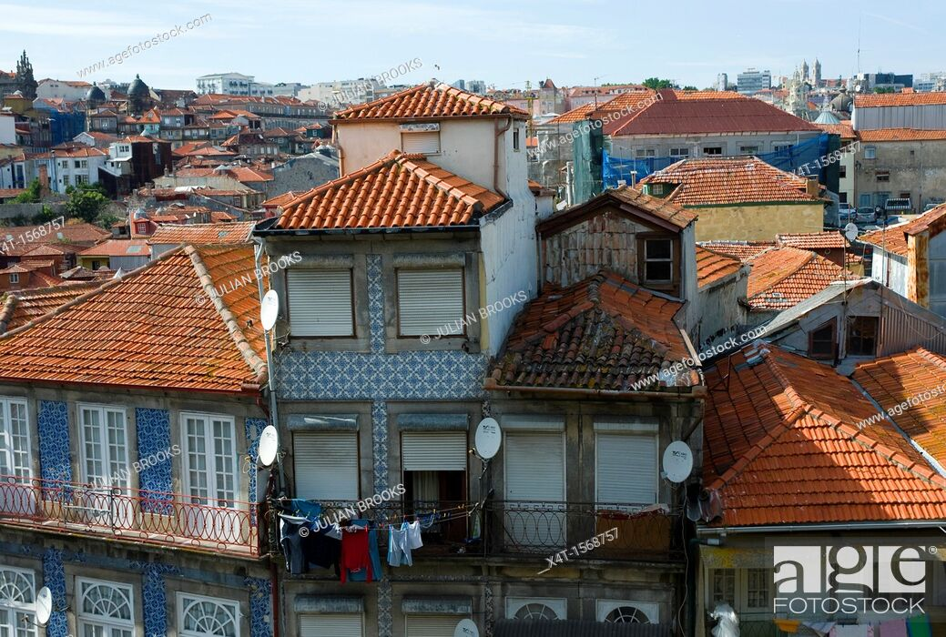 Stock Photo: pantile rooftops and typical balconies in Porto, portugal,.