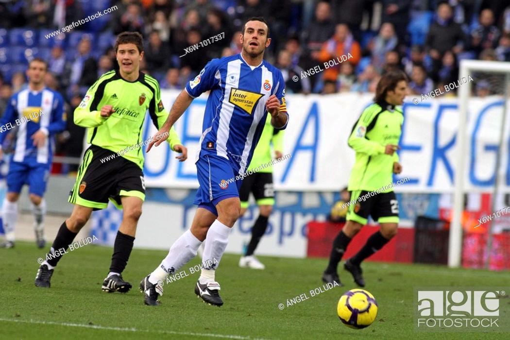 Stock Photo: Cornellá-El Prat Stadium, 10/01/2009, Spanish League, RCD Espanyol vs. Real Zaragoza, Moisés Hurtado.