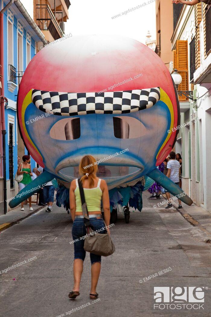 Imagen: show in the street. Picanya. Valencia. Spain.