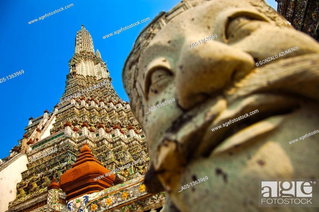 Stock Photo: Wat Arun, The Temple of the Dawn, from Mae Nam Chao Phraya River  Bangkok, Thailand, Southeast Asia, Asia.