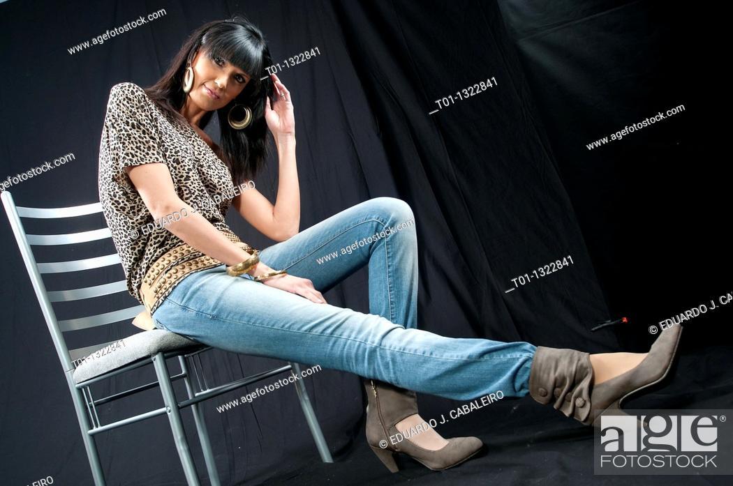 Stock Photo: Fashionable girl.