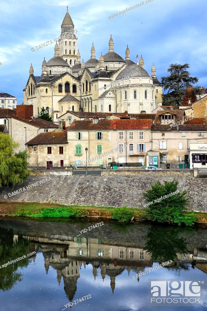 Stock Photo: Perigueux, Saint Front Cathedral, Pilgrimage way to Santiago de Compostela, UNESCO World Heritage site, Perigord Blanc, Dordogne, Aquitaine, France , Europe.