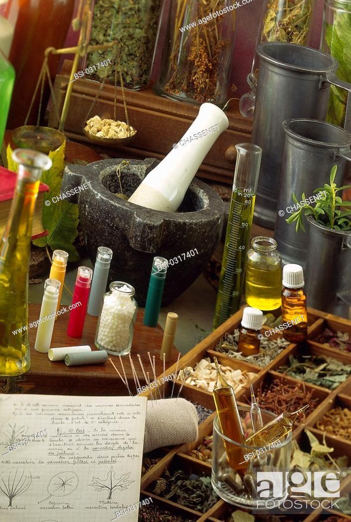 Imagen: ALTERNATIVE MEDICINE<BR>Homeopathy. Phytotherapy. Essential oils.