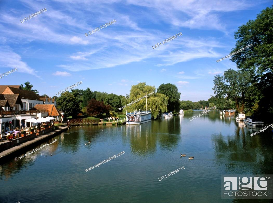 Stock Photo: The River thames flows through Streatley in the Goring Gap and creates a border between Berkshire and Oxfordshire.