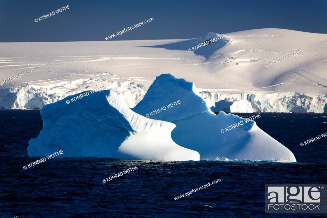Imagen: Icebergs, Antarctic Peninsula, Antarctica.