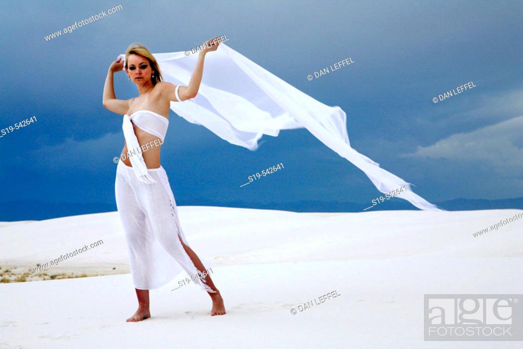 Stock Photo: White Sands National Park.