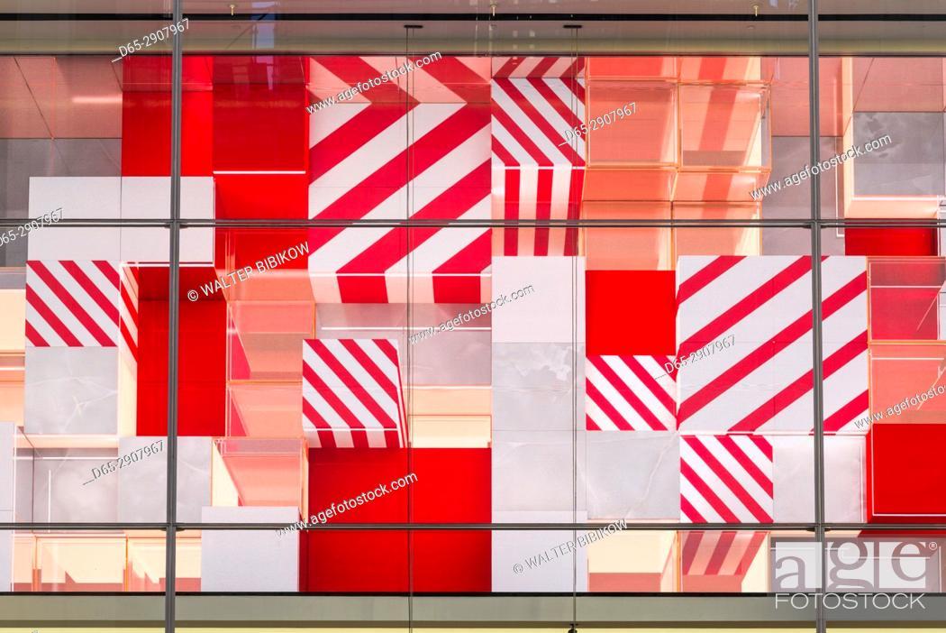 Imagen: USA, New York, New York City, Mid-Town Manhattan, multi colored window.