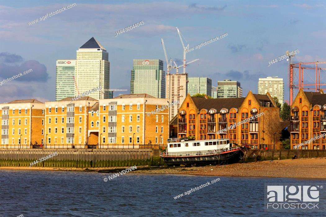 Imagen: Canary wharf, Thames riverbank, London, England, UK.