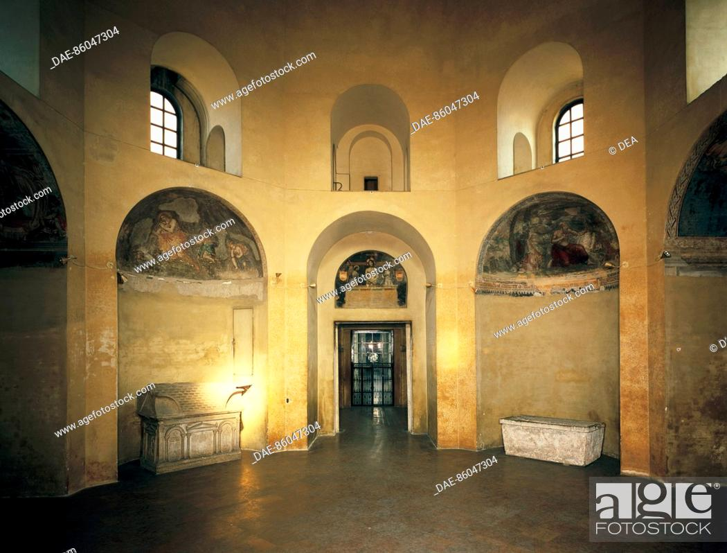 Stock Photo: Interior of the Chapel of Saint Aquilino, Basilica of St Lawrence, Milan. Italy, 5th century.