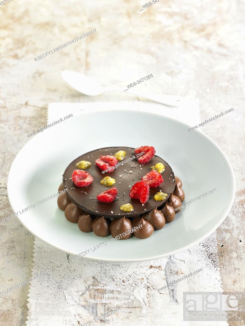 Stock Photo: mousse de chocolate / chocolate mousse.