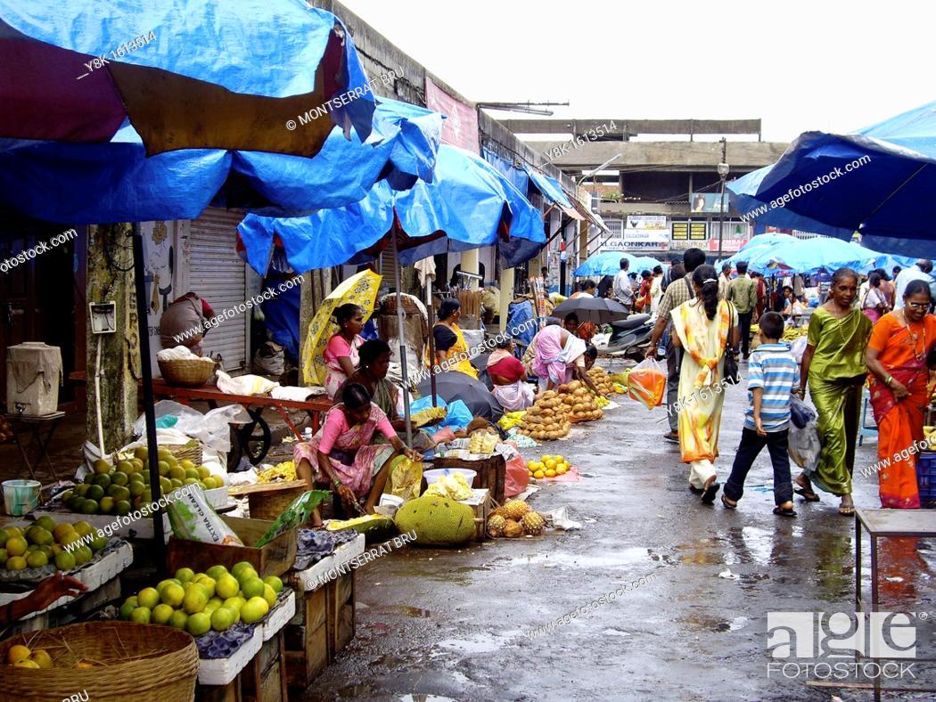 Stock Photo: Monsoon fruit stalls in Mapusa market, Goa, India.
