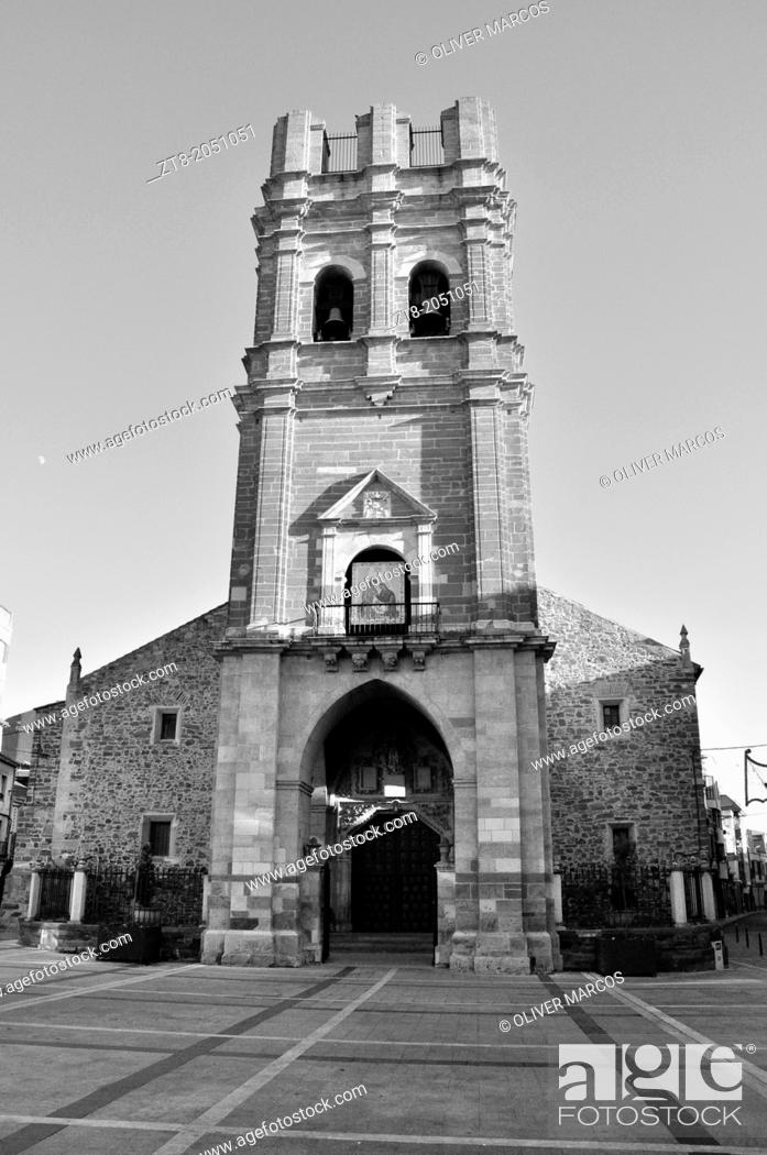 Imagen: Church of Santa Maria, La Bañeza, Leon Province, Spain. In 1894 the wooden spire on the tower top was destroyed by a fire and never rebuilt,.