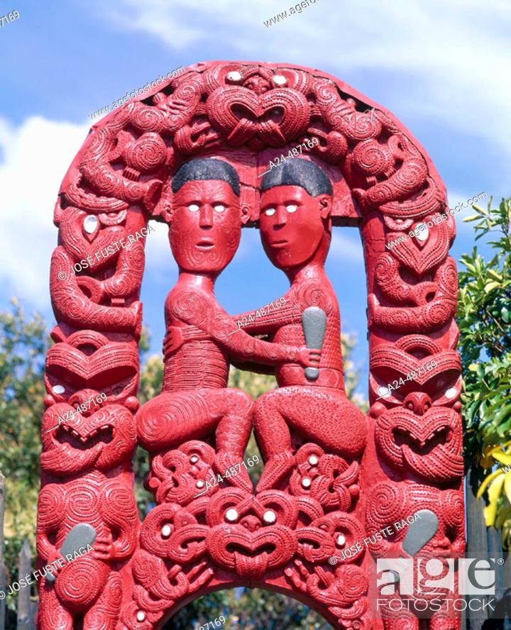 Imagen: Maori gate. Whakarewarea Geothermal reserve, Rotorua, North Island, New Zealand.