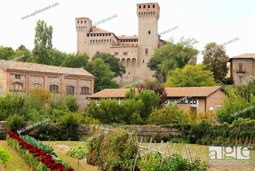 Imagen: The Rocca of Vignola, a city and a comune in the province of Modena Emilia-Romagna, Italy.