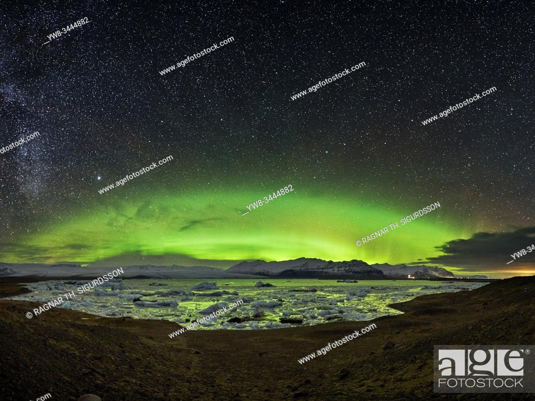 Stock Photo: Aurora Borealis, Jokulsarlon, Icleand.
