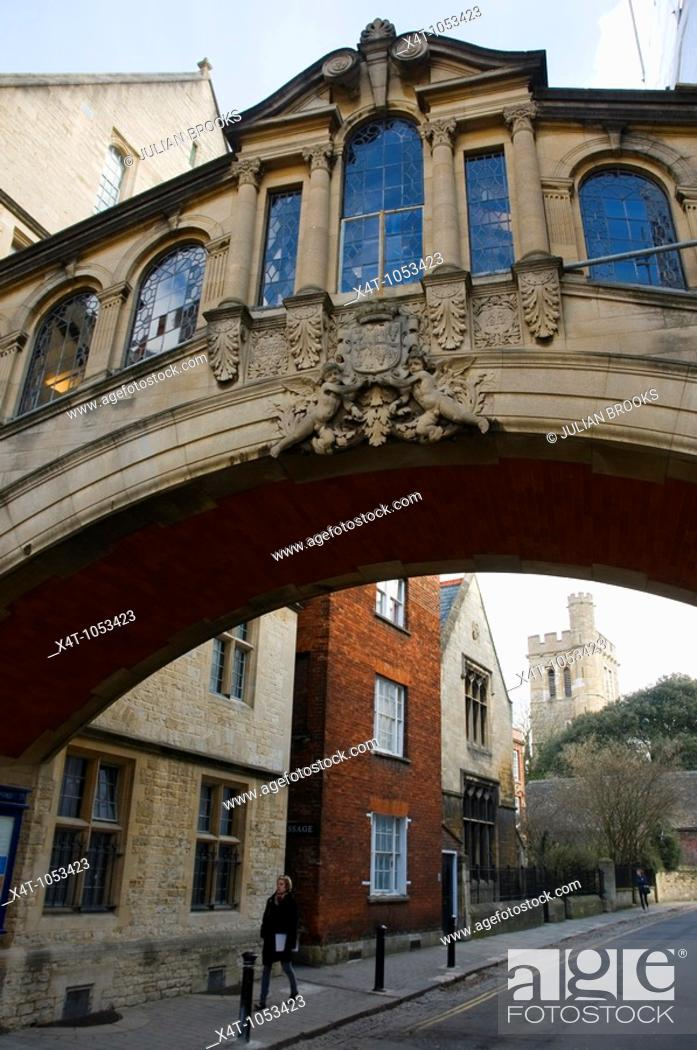 Stock Photo: The bridge linking two parts of Hertford College Oxford known as the Bridge of Sighs  Also the entrance to the turf tavern.