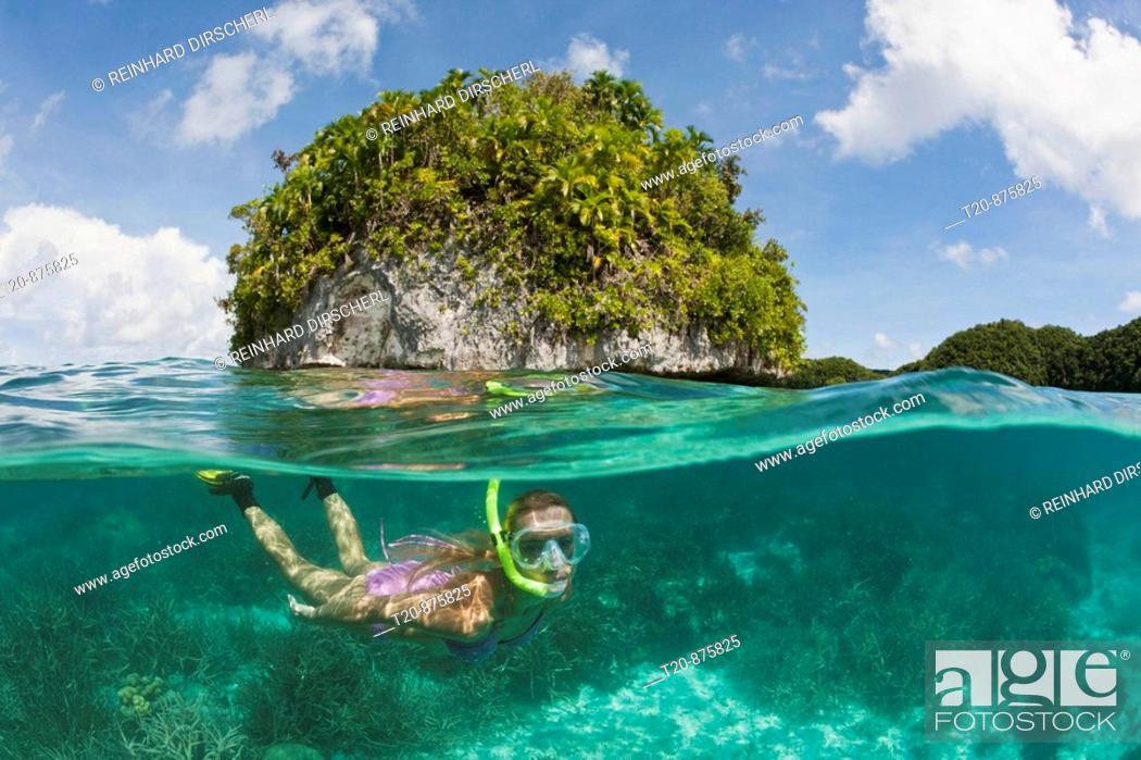 Imagen: Tourist snorkeling at Palau, Micronesia, Palau.