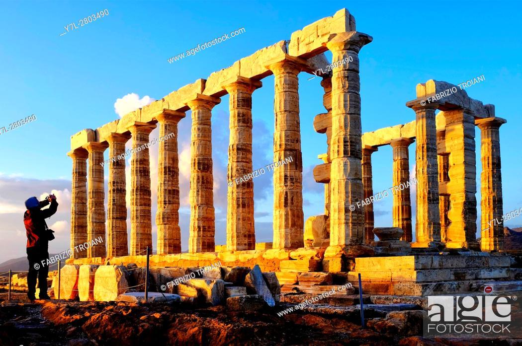 Stock Photo: Ruins of temple of Poseidon at Cape Sounion, Attica Peninsula, Greece.