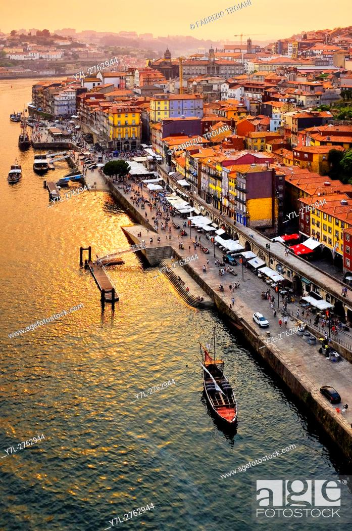 Stock Photo: Cais da Ribeira, Porto, Portugal.