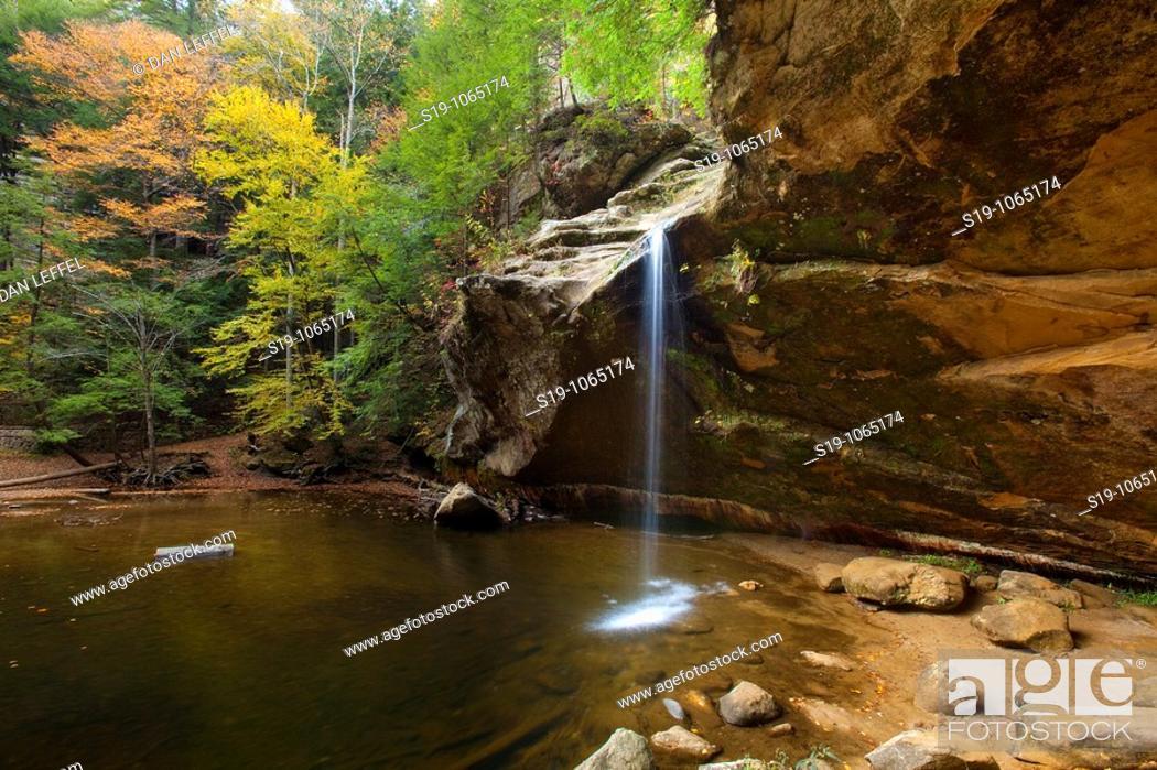 Stock Photo: Autumn colours, Midwest USA.