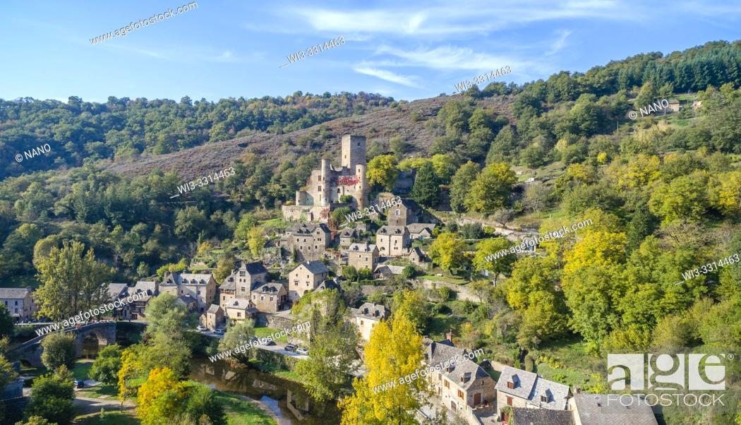 Stock Photo: France, Aveyron, Belcastel, labelled Les Plus Beaux Villages de France (The Most Beautiful Villages of France), general view of the village with the castle and.