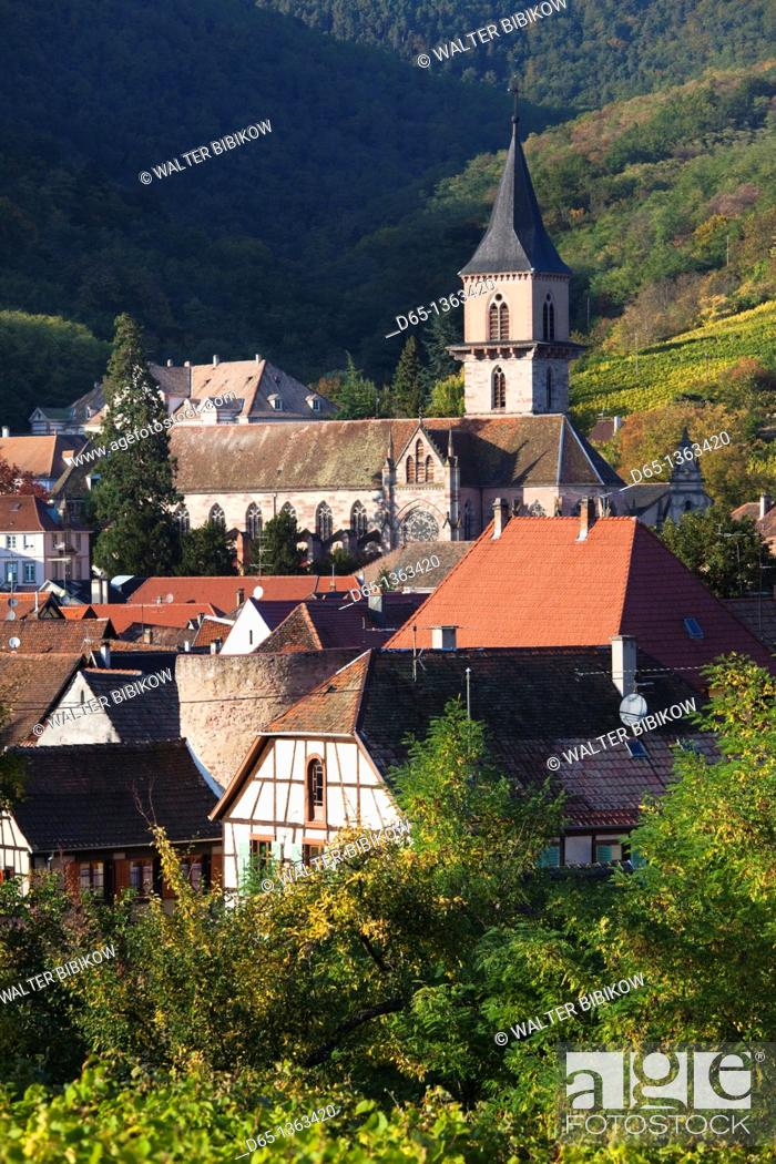 Stock Photo: France, Haut-Rhin, Alsace Region, Alasatian Wine Route, Ribeauville, town overview, autumn.