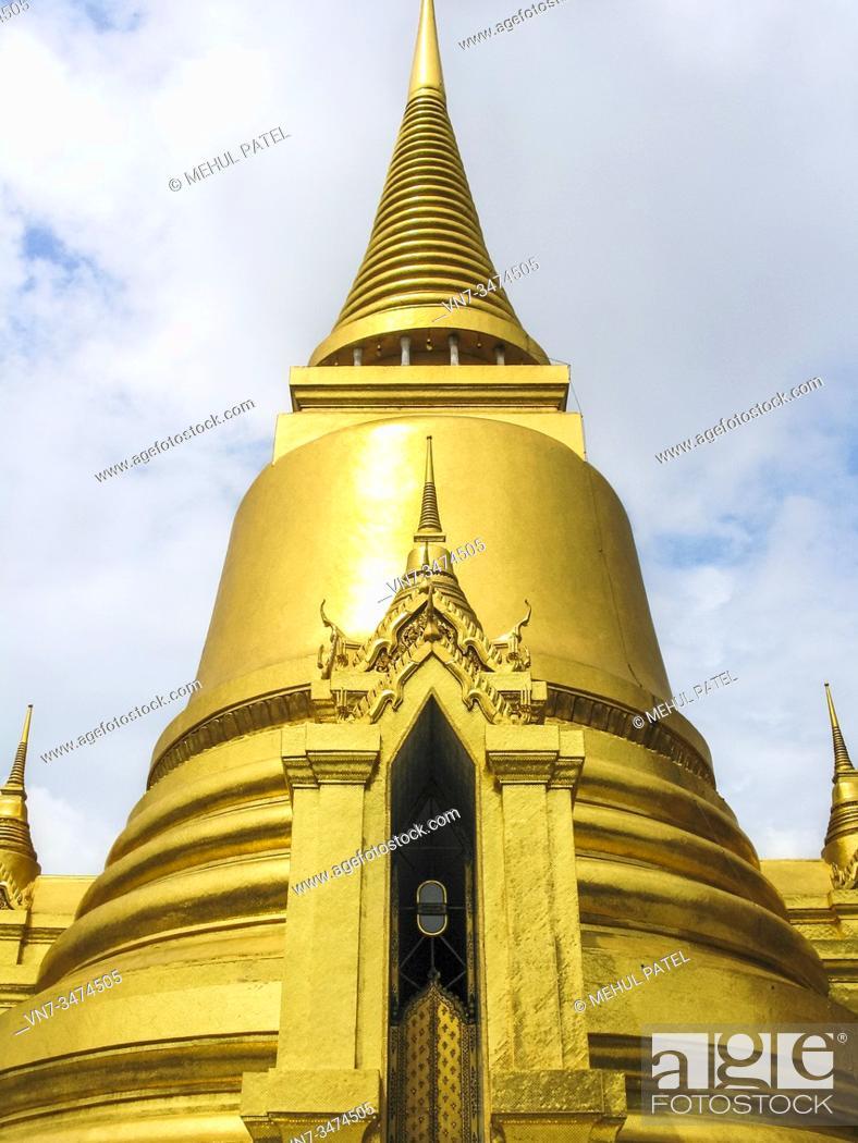 Stock Photo: Golden stupa, Temple of the Emerald Buddha (Wat Phra Kaew) in the Grand Palace, Bangkok, Thailand, Asia.